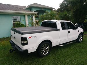 F150 bed Cover for Sale in Kissimmee, FL
