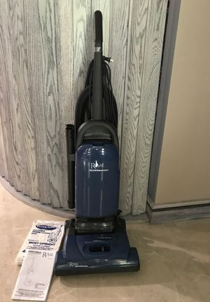 Vacuum Cleaner ROYAL Pro Series complete for Sale in Tampa, FL