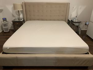 California king bed frame for Sale in Riverside, CA