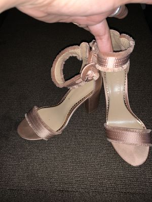 Pink Lauren Conrad Fringe heels & brown wingtip heels size 6 for Sale in Pomona, CA