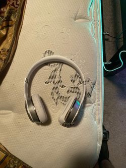 Wireless solo 3 Beats by Dre for Sale in San Antonio,  TX