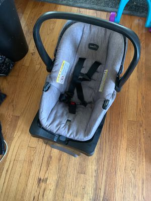 Unisex car seat for Sale in Chicago, IL
