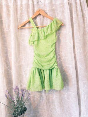 GIRLS sparkly green dress! for Sale in Wenatchee, WA