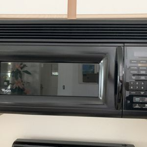 Whirlpool Microwave for Sale in Kissimmee, FL