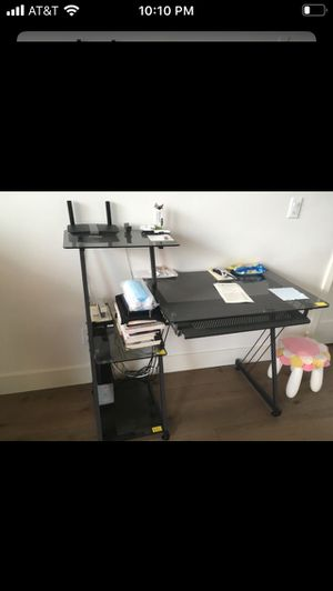 Desk glass tempered in good condition perfect to study for Sale in Los Angeles, CA