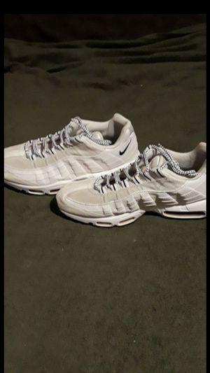 Nike Air Max 95 White/Black for Sale in Pasadena, CA