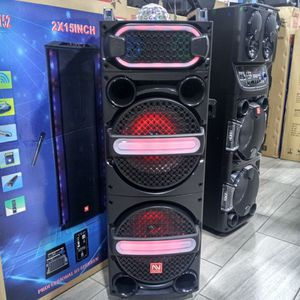 Brand New Speaker In The Box Has Bluetooth Fm Am Great Sound Base Very Very Loud And Only For 200 Bucks Brand New Speaker In The Box for Sale in Phoenix, AZ