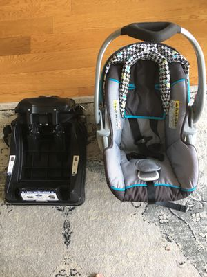 baby trend car seat and base for Sale in Houston, TX
