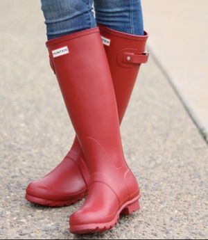 Hunter Rain Boots Red Tall Women's Size 6 Good condition for Sale in Cumming, GA