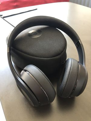 Beats solo3 wireless headphones for Sale in Baltimore, MD