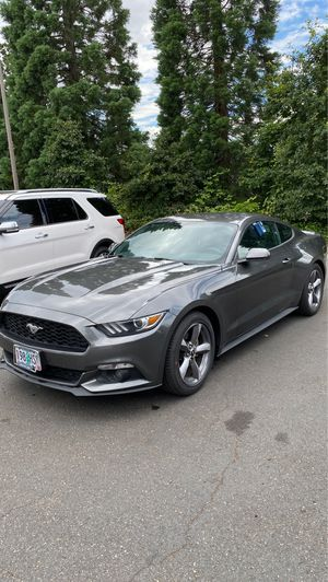2015 FORD MUSTANG Automatic premium. EZLOW% Financing for Sale in Tigard, OR