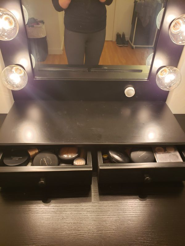 Makeup vanity mirror. Hollywood Impressions vanity mirror with dimmable lights and 2 drawers