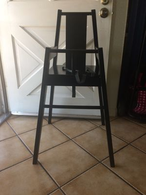 Kids high chair for Sale in March Air Reserve Base, CA
