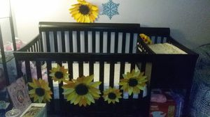 Crib with changing table. for Sale in Colton, CA
