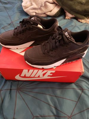 New Nike Air Max 90 LTR (GS) Size: 3.5 Y Color: Black/ Black-White for Sale in Los Angeles, CA