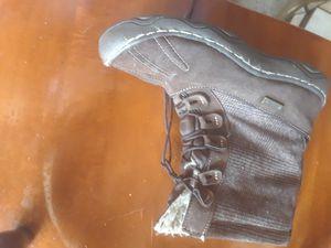 Women's winter boots for Sale in Warren, MI