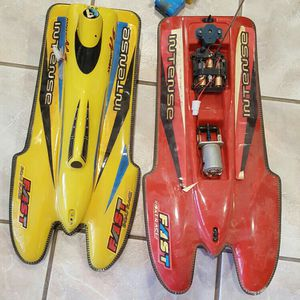 Lot Of 2 Vintage rc 21 Inches Long Boats for Sale in Glendale, AZ
