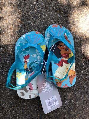 Moana flip flops toddler size 7 for Sale in Thousand Palms, CA