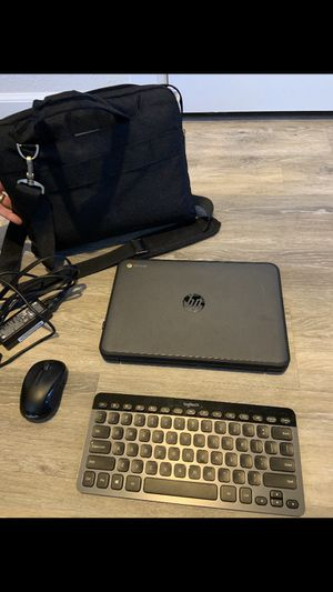 Like new HP Chromebook 11.6 inch + wireless keyboard, mouse and carrying case for Sale in Tacoma, WA