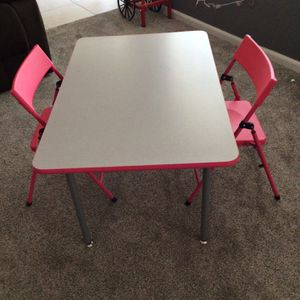 Kids desk for Sale in Grand Terrace, CA