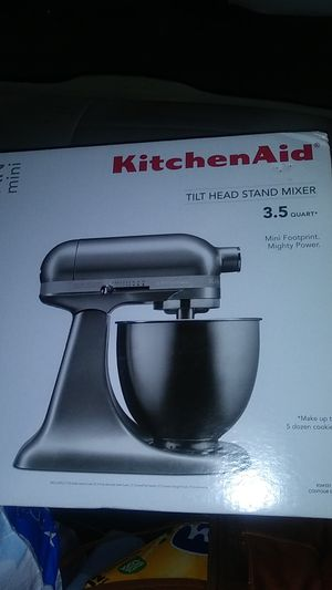New kitchen aid tilt head stand mixer for Sale in Tacoma, WA