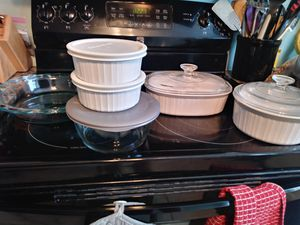 Pyrex and corningware baking dishes for Sale in Gulfport, FL