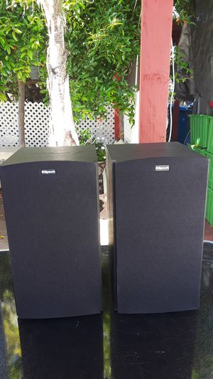 Klipsch book shelve speakers for Sale in Los Angeles, CA