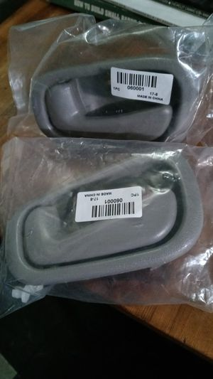 98-02 TOYOTA COROLLA INTERIOR DOOR HANDLES for Sale in Rosemead, CA