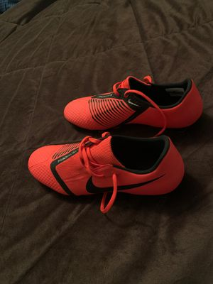 Nike phantom soccer cleat size 11 for Sale in Camp Hill, PA