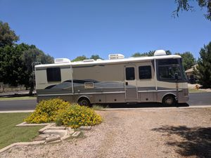 Class A Motorhome RV 32ft Fleetwood for Sale in Gilbert, AZ