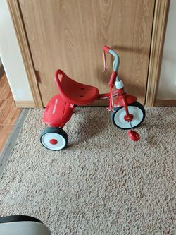 Radio Flyer Tricycle for Sale in Mukilteo,  WA