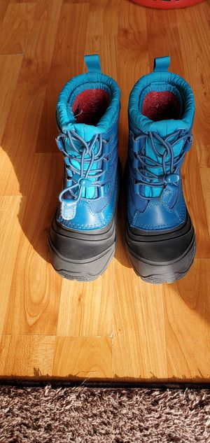 The North Face girls size 12 winter boots for Sale in Spokane, WA