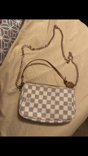 Louis Vuitton Pochette Accessoire 🎁 for Sale in San Antonio, TX