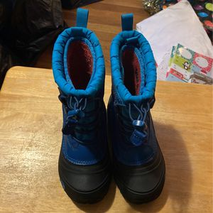 Boys North Face Snow Boots for Sale in Hampstead, NH