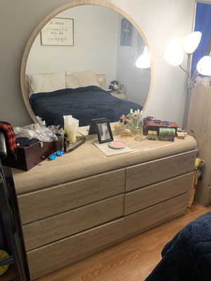 King Size Bedroom Furniture Set for Sale in Los Angeles, CA