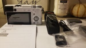 Brand new/never used, Sony a6000 mirrorless camera(white) with 16-50mm lens for Sale in Sunnyvale, CA