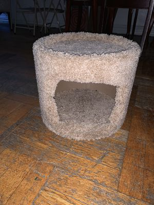 Carpet cat condo for Sale in The Bronx, NY