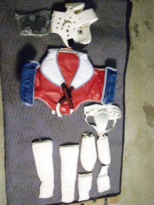 Karate Gear for a boy age 8-11 for Sale in Fresno, CA
