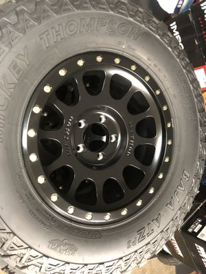 Brand new Jeep wheels and tires for Sale in Compton, CA