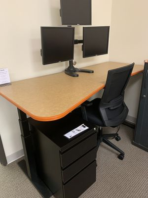 Orange sit-stand office desk for Sale in Tigard, OR