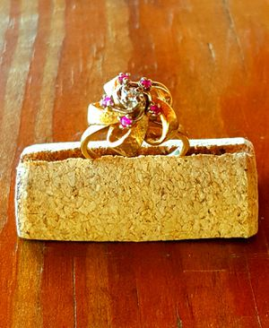 *Estate Jewelry* 14 or 18kt? Yellow gold ruby and diamond ring - size 6 for Sale in Huntington, TX