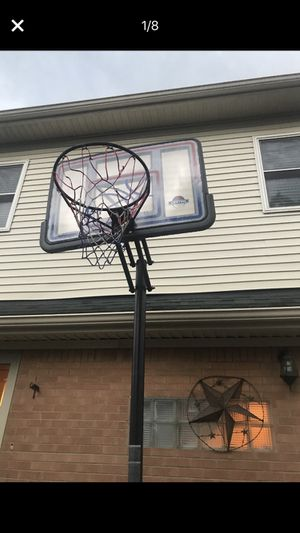 Basketball hoop for Sale in Dearborn Heights, MI