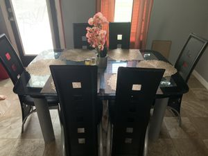 Dining room table for Sale in Poinciana, FL