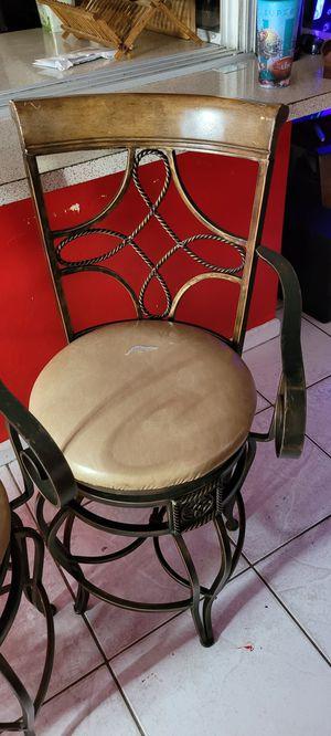 4 brown bar stools for Sale in Fort Lauderdale, FL