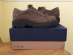 American Eagle Women's Size 9 Genuine Leather Shoes / Boots / Sneakers for Sale in Lilburn, GA