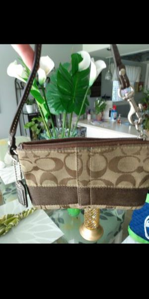 Authentic Coach Wristlet for Sale in Mountlake Terrace, WA