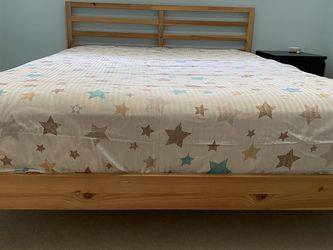 Queen Bed With Mattress for Sale in Woodinville,  WA