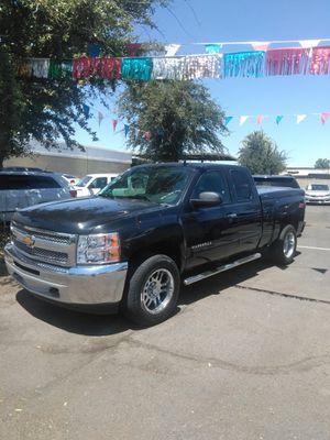 2012 chevy silverado 4x4 🏅 we open sundays 10 to 4 🏅 easy financing 🏅 aqui su amigo jesus les ayuda for Sale in Glendale, AZ