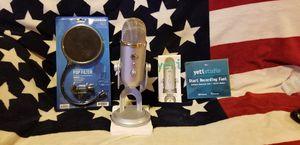 Yeti Studio USB Multi-pattern Microphone Blue model (silver color) for Sale in Sprague River, OR