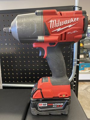 Milwaukee 1/2in Square Impact Wrench with M18 X5.0 Battery No Charger for Sale in Lakewood, WA